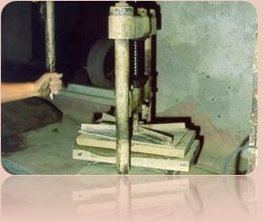 Lavorazione del cotto fatto a mano