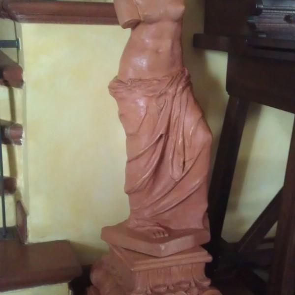 Venere di Milo in terracotta