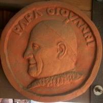 tondo in terracotta Papa Giovanni XXIII